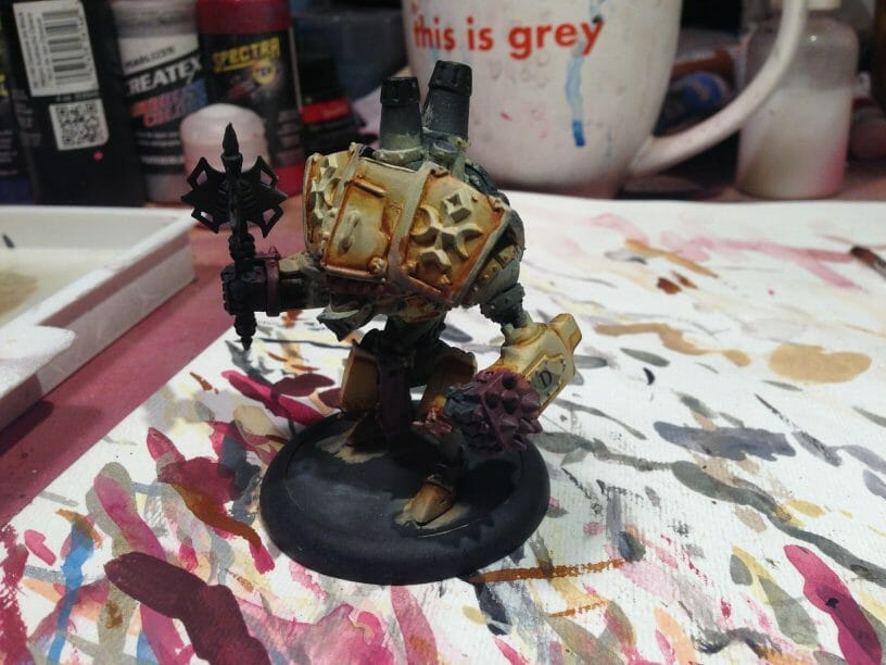 Menoth Crusader Warjack: Quick n' Dirty Paint Job - how to paint a menoth warjack - painting the crusader menoth miniature - warmachine painting - painting warmachine models for menoth - shadows side view