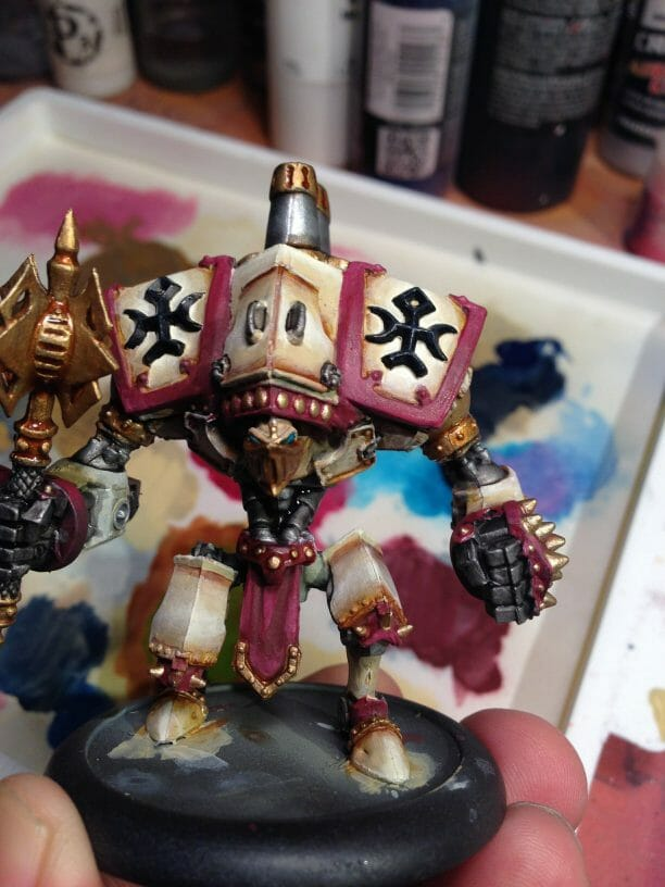Menoth Crusader Warjack: Quick n' Dirty Paint Job - how to paint a menoth warjack - painting the crusader menoth miniature - warmachine painting - painting warmachine models for menoth - metallics added silver and gold or brass