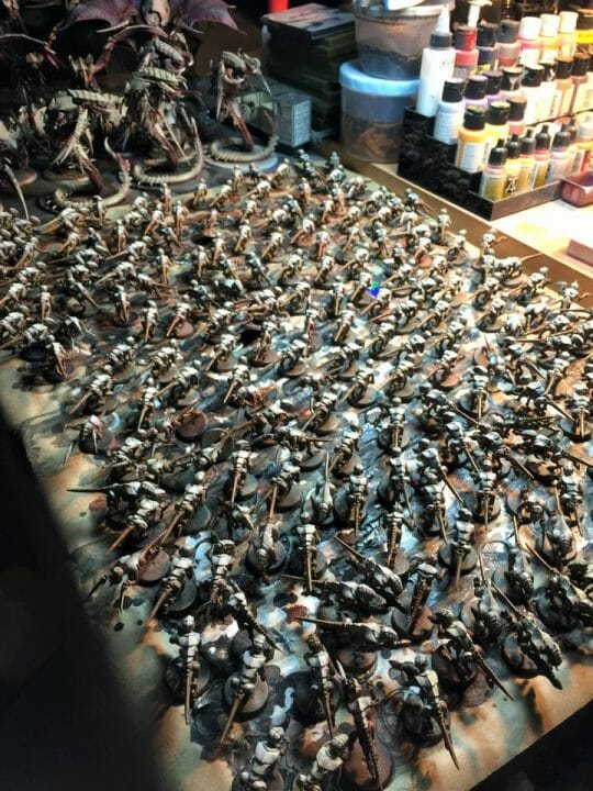 What is a Bad vs Good Client for Commissioned Miniature Painting? - how to paint a lot of models - miniature painting project tyranids - hormagaunts - warhammer 40k miniature painting project - how long to complete a commissions miniature painting project - top view