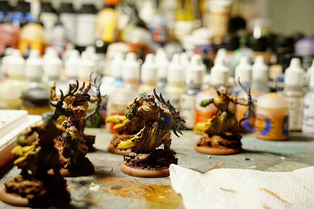 Lights for Painting Miniatures (Tips and Recommendation)