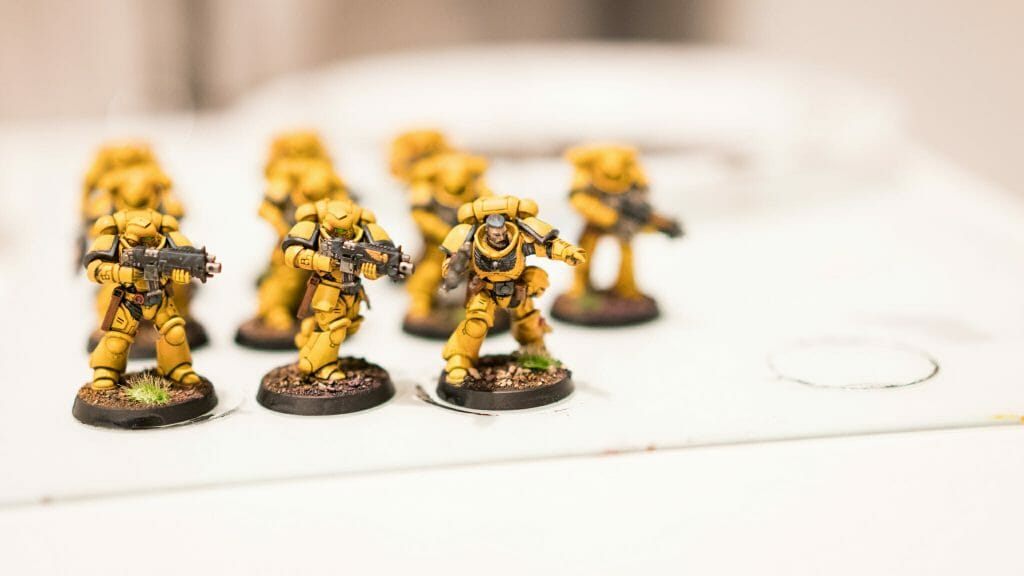 Tabletop Standard vs. Display Level Painting [Criteria] - how to paint tabletop standard miniatures and models - what is battle ready painting in warhammer 40k? Battle ready standard in wargaming - How to paint battle ready tabletop standard models - Imperial fist space marine chapter painted to a tabletop standard.