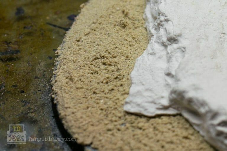 Basing sand for miniatures - miniature basing materials - miniature basing kits - how to use sand for basing models and miniatures - games workshop basing sand - citadel sand alternative - miniature basing sand - tile grout on model base