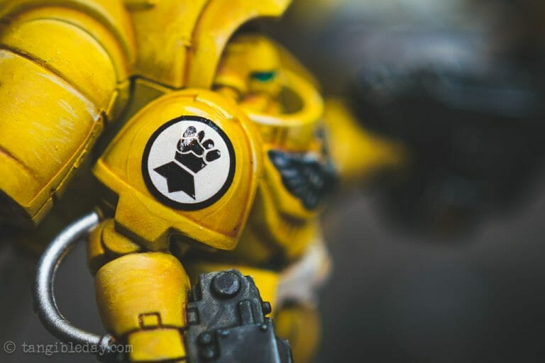 How-to Apply Warhammer Space Marine Decals (Tips) - How to use wet slide decals on miniatures and scale models - dry the decal