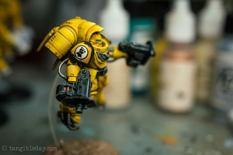 How-to Apply Warhammer Space Marine Decals (Tips) - How to use wet slide decals on miniatures and scale models - finished shoulder pad with decal