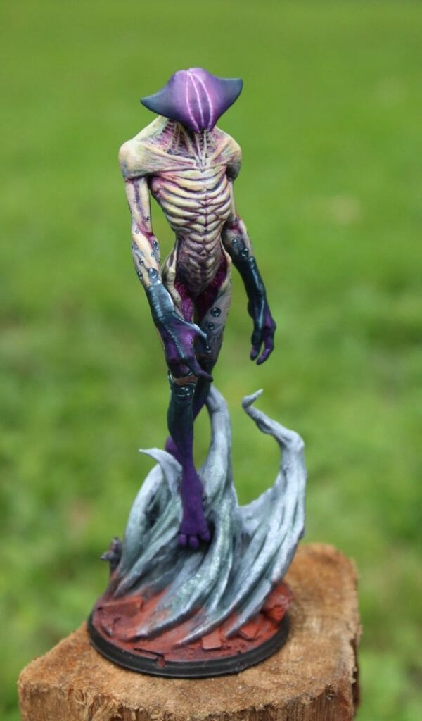 How to print and paint a resin 3d printed miniature and model - how to paint 3d printed miniatures and models - tutorial painting miniatures 3d prints - 3d printed miniatures - resin printed miniatures - how to paint resin models - final image isometric