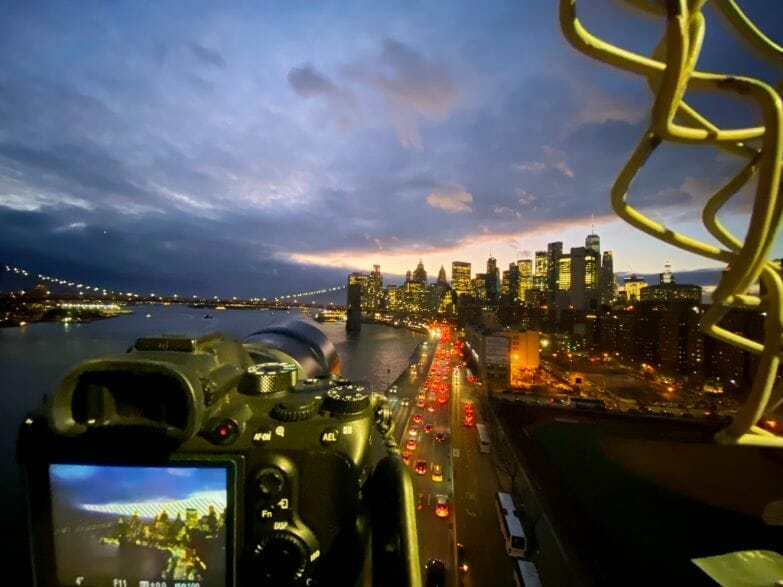 Night photography - night time photography and how to take pictures at night - Night light photography and how to take pictures at night - what night photography settings - night time view of camera perspective of FDR drive in New york city