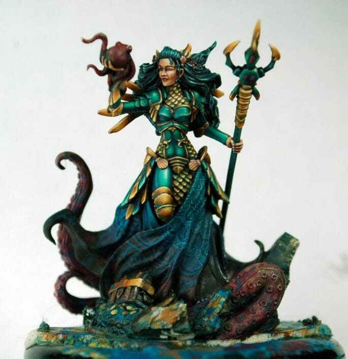 How to paint miniatures competitively – how to paint for competition – painting contest – how to win a painting contest – Marike Reimer miniature painting – interview with Marike Reimer about the Kraken Mistress – how to paint miniatures like a pro – how to paint miniatures professionally – best miniature painting tutorials – free hand progress on the miniature