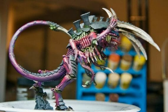 Best airbrush paint for miniatures and models – airbrush paints for models – miniature airbrush paint – review airbrush paint sets for models – citadel airbrush paint – painting multiple models with an airbrush quickly - tyranid airbrushed