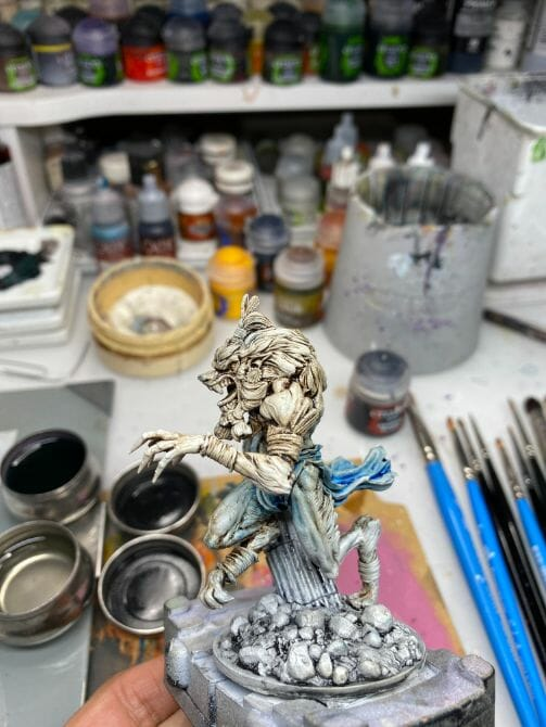 How to paint miniatures with oil paints - painting ashtooth with oil paints - oil painting a 54mm scale model - painting miniatures and models with oil colors - Judgement Miniatures - painting resin miniature with oil paint - wipe off excess oil paint