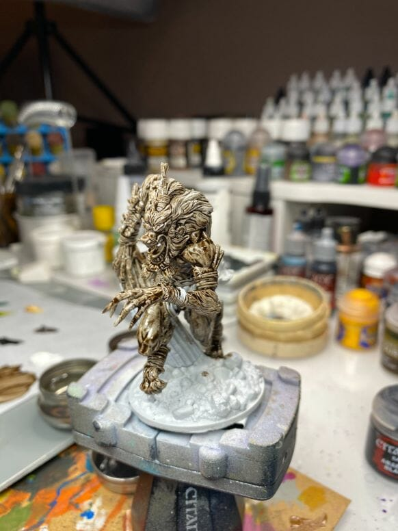 How to paint miniatures with oil paints - painting ashtooth with oil paints - oil painting a 54mm scale model - painting miniatures and models with oil colors - Judgement Miniatures - painting resin miniature with oil paint - toned model