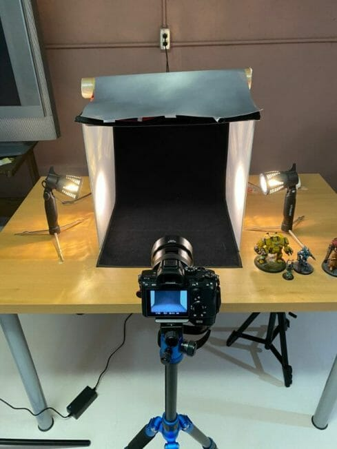 How to take better miniature pictures with a ring light - how to improve your miniature photography - why good light helps improve your miniature and model photography - camera photobooth setup