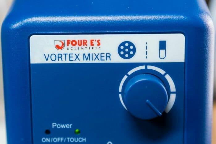 Vortex model paint mixer review - Four E's scientific laboratory vortex mixer - vortexer review for miniature paint - how to use a model paint vortex mixer - tips and review for vortex mixers for miniature and model paint - guide tips for vortex mixing model paint - front panel close