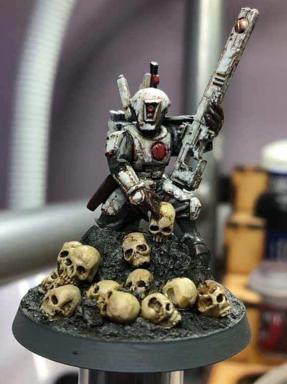 How to Paint Skulls and Bone on Miniatures (3 Easy Steps) - Tau grimdark painting