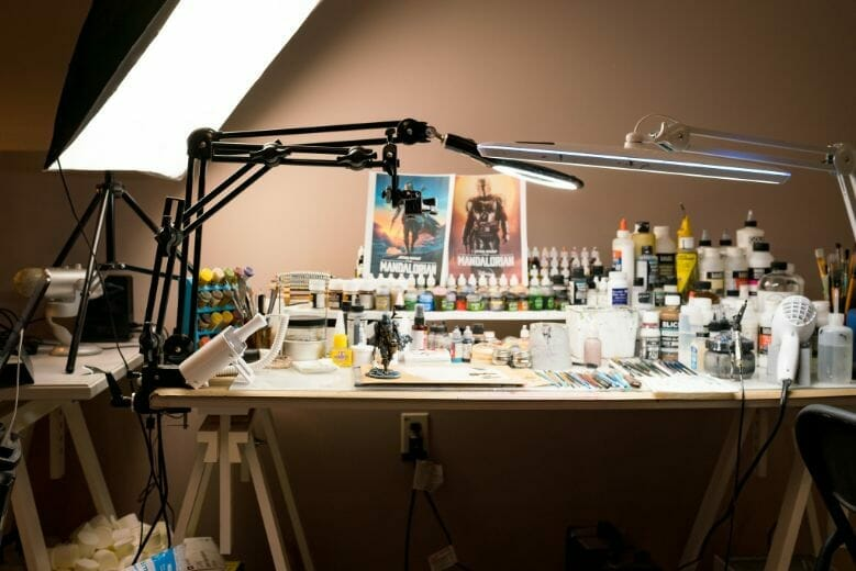 13 Best Lights for Painting Miniatures and Models - Best lamp for miniature painting - hobby lamp - hobby light - best miniature painting lamp - hobby lamps - desk lamp for hobbies - lights for miniature painting and hobby - my desk
