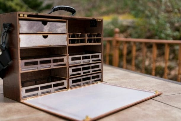 Frontier Wargaming Portable Paint Station Paint Case Review – Best painting station for painting miniatures and models – hobby paint station review – Frontier wargaming paint case for miniatures and hobbies – travel and portable miniature painting stations for hobbyists – opened outside photo interior image