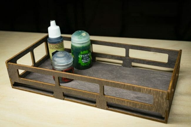 Frontier Wargaming Portable Paint Station Paint Case Review – Best painting station for painting miniatures and models – hobby paint station review – Frontier wargaming paint case for miniatures and hobbies – travel and portable miniature painting stations for hobbyists – paints that will fit inside shelving