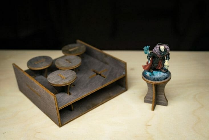 Frontier Wargaming Portable Paint Station Paint Case Review – Best painting station for painting miniatures and models – hobby paint station review – Frontier wargaming paint case for miniatures and hobbies – travel and portable miniature painting stations for hobbyists – work in progress miniatures on painting handle