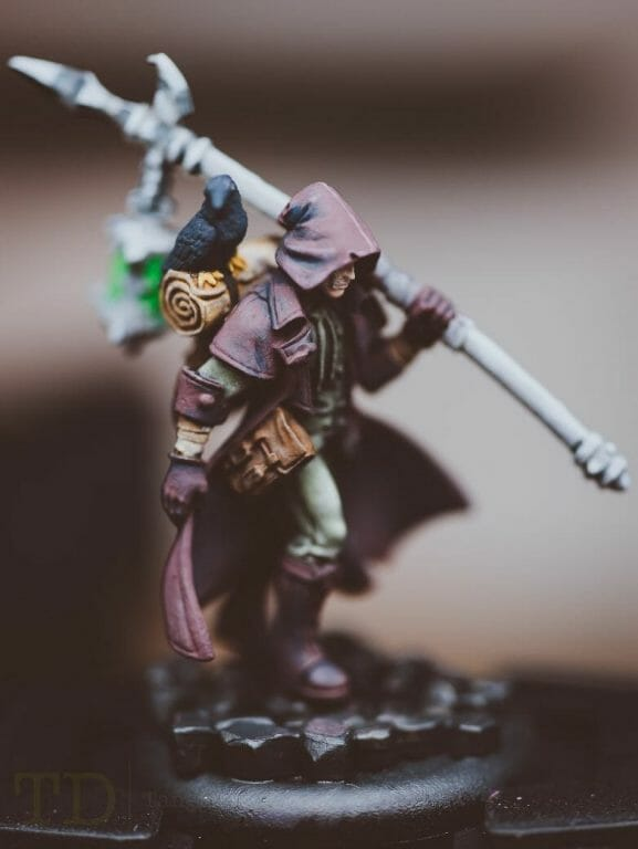 How to paint miniatures simply - simple complexity - painting philosophy for miniatures and models - using simple techniques for complex projects - the grymkin wanderer close up