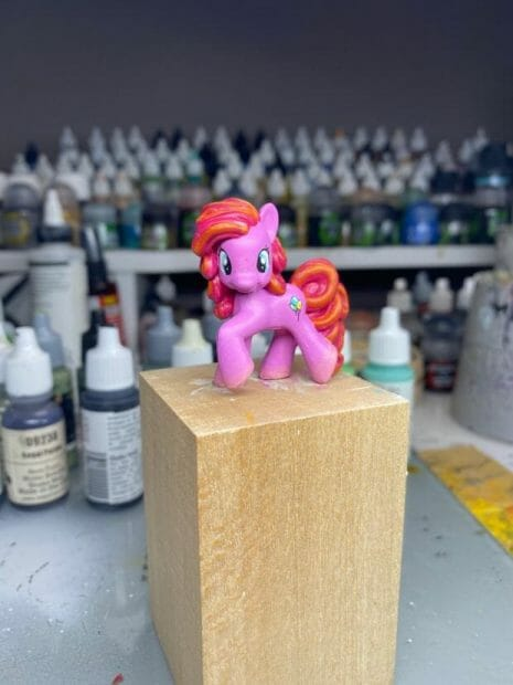 How to repaint dolls - how to repaint toy dolls - my little pony repainting - tutorial to repaint toys and dolls - my little pony pinkie pie custom painting - custom painted toy doll