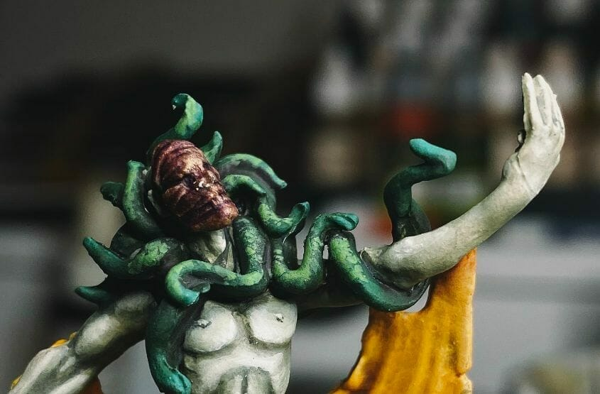 How to paint yellow models – shading yellow miniatures – painting yellow miniatures – painting board game miniatures – Cthulhu wars painting – Petersen Games - how to shade yellow minis – how to paint yellow minis and models – quick yellow painting – best yellow paint - stippling texture on snakes