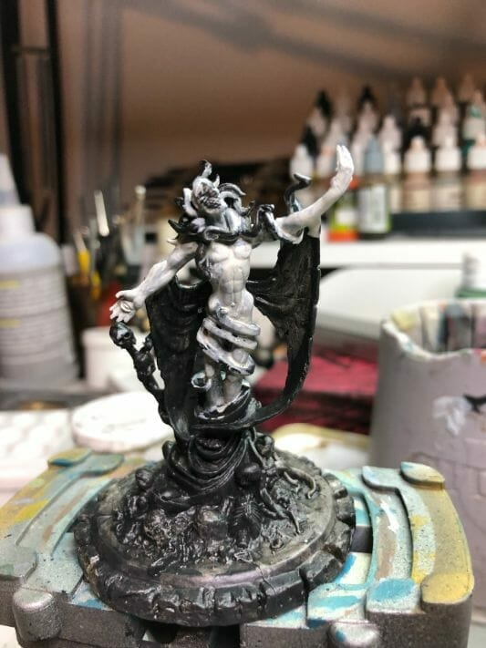 How to paint yellow models – shading yellow miniatures – painting yellow miniatures – painting board game miniatures – Cthulhu wars painting – Petersen Games - how to shade yellow minis – how to paint yellow minis and models – quick yellow painting – best yellow paint - base coat skin