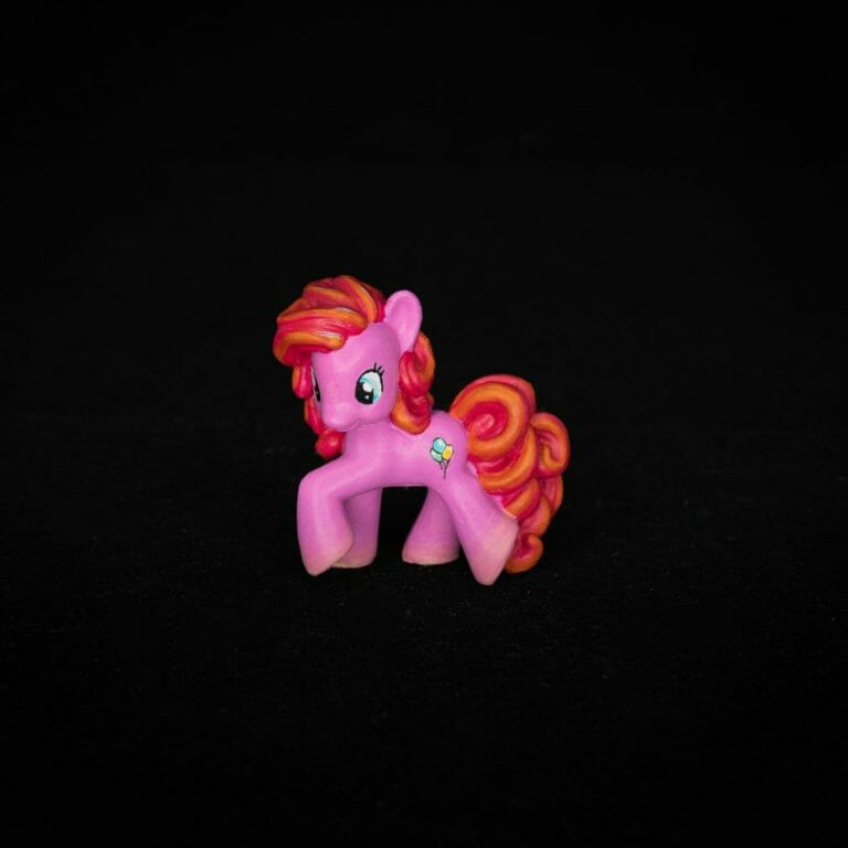 How to repaint dolls - how to repaint toy dolls - my little pony repainting - tutorial to repaint toys and dolls - my little pony pinkie pie custom painting - final studio photo of pinkie pie repainted