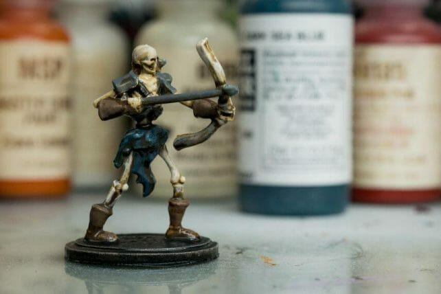 """Guide for """"Dipping"""" Miniatures to Speed Paint (Army Painter Quickshade Review) - Minwax Polyshades miniatures – Army Painter Quick Shade Alternatives – minwax polyshades for miniature painting - army painter quickshade review - army painter strong tone wash - matte finish"""