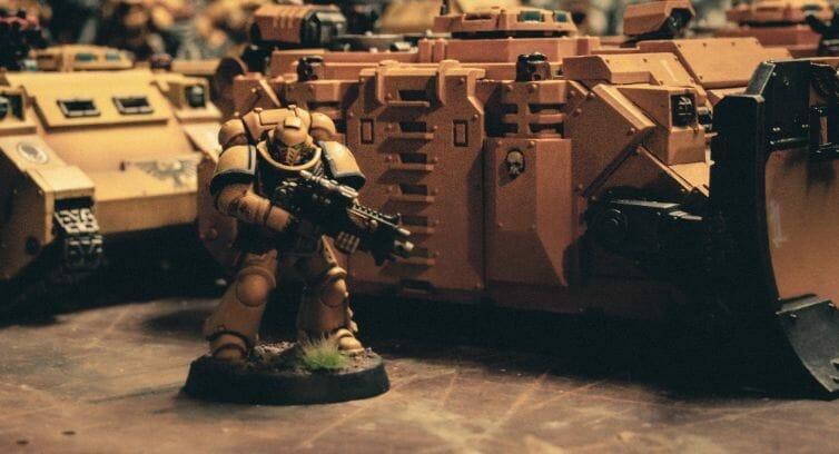 Use an Expressive Miniature Painting Style - What is expressive miniature painting? - Expressive painting - painterly styles for miniatures - 10 ways to paint miniatures expressively - 10 creative ideas for more expressive and unique miniature painting - space marine imperial fists