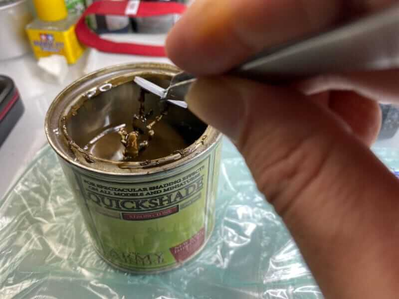 """Guide for """"Dipping"""" Miniatures to Speed Paint (Army Painter Quickshade Review) - Minwax Polyshades miniatures – Army Painter Quick Shade Alternatives – minwax polyshades for miniature painting - army painter quickshade review - army painter strong tone wash - dipping mini"""