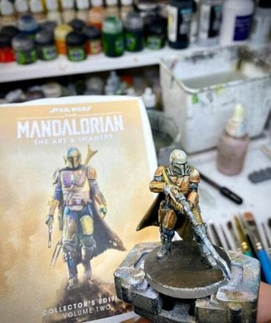 Use an Expressive Miniature Painting Style - What is expressive miniature painting? - Expressive painting - painterly styles for miniatures - 10 ways to paint miniatures expressively - 10 creative ideas for more expressive and unique miniature painting - mandalorian oil paint