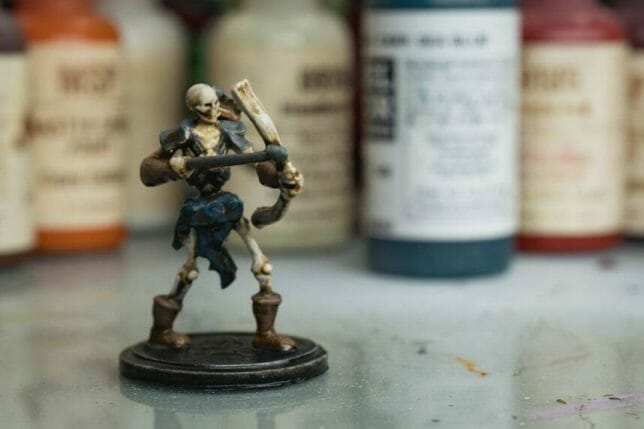 """Guide for """"Dipping"""" Miniatures to Speed Paint (Army Painter Quickshade Review) - Minwax Polyshades miniatures – Army Painter Quick Shade Alternatives – minwax polyshades for miniature painting - army painter quickshade review - army painter strong tone wash - speed painting"""