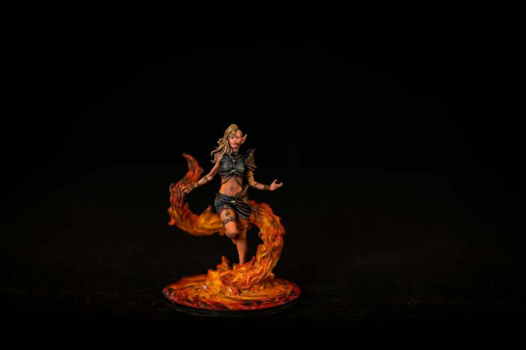 Use an Expressive Miniature Painting Style - What is expressive miniature painting? - Expressive painting - painterly styles for miniatures - 10 ways to paint miniatures expressively - 10 creative ideas for more expressive and unique miniature painting - fire mage