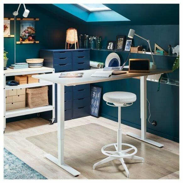 Best miniature painting desks - best hobby desk for miniatures and models - painting desks for miniatures - recommended desks for painting miniatures - standing desk example