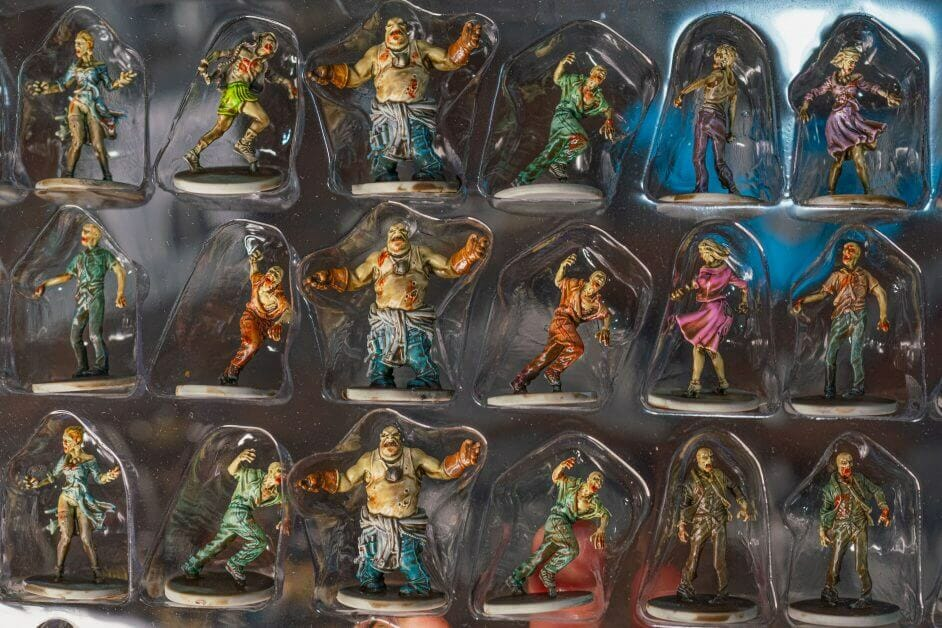 Batch Painting Miniatures (Tips and Tutorial) - how to assembly line paint models for warhammer 40k and board games - Zombicide miniatures