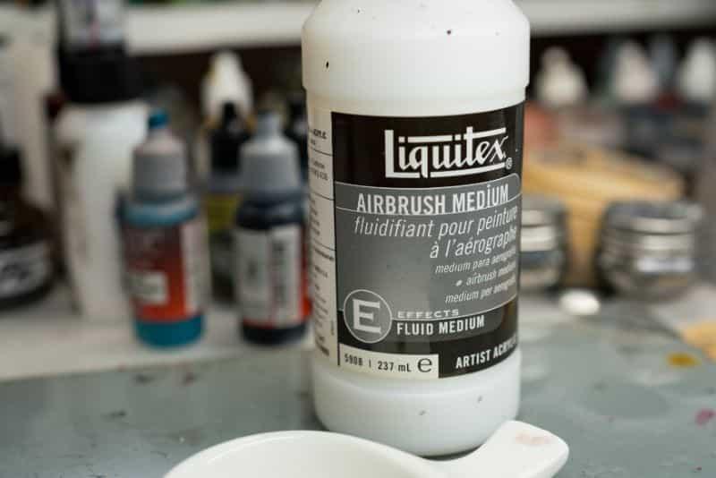 How to thin acrylic paint for airbrushes – how to thin paint for airbrushing miniatures and models –  What and how to thin hobby paint for your airbrush - liquitex airbrush medium
