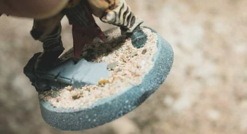 Basing Miniatures with Sand (Quick Method) - how to base miniatures with sand - sand basing models - realistic bases for miniatures - sand base to model scale dirt