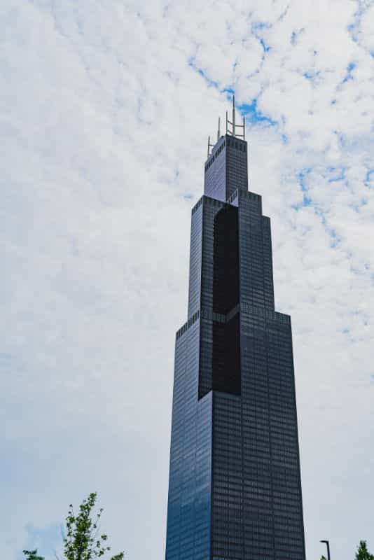 How to take great miniature photos - how to take better pictures of miniatures and models - How to take better scale model pictures and photographs - Willis Tower Chicago lego model