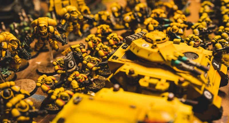 6 Miniature Priming Hacks and Tips You Want to Know - Priming Tips and Tricks for Miniature Painting - Alternative Priming Methods for Miniatures and Models - Useful ways to Prime Miniatures - imperial fist army tabletop