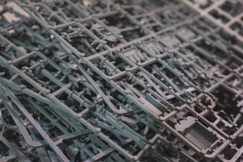 9 Recycling Ideas for Old Sprues from Warhammer and Model Kits - sprue terrain with Warhammer 40k kits – recycling Warhammer sprues – close up plastic sprues