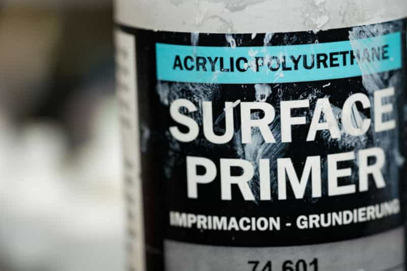 How to prime miniatures with an airbrush - how to airbrush primer on miniatures and models - priming miniatures with an airbrush - tips for priming miniatures with an airbrush - vallejo surface primer close up