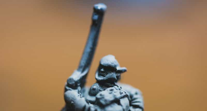 Top 3 Mistakes To Avoid When Priming Miniatures and Solutions - miniature priming mistakes and issues - tips for resolving and fixing bad primer on models - priming infantry model