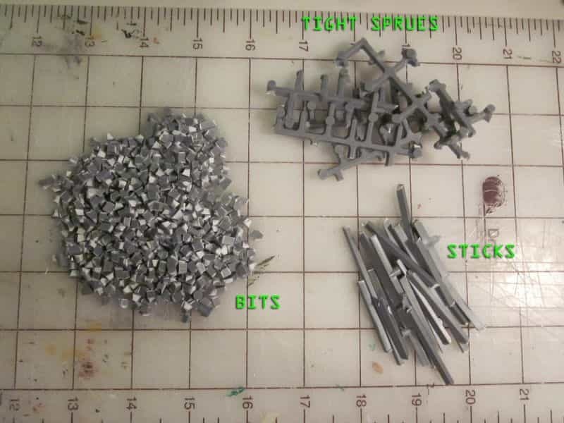 9 Recycling Ideas for Old Sprues from Warhammer and Model Kits - sprue terrain with Warhammer 40k kits – recycling Warhammer sprues – sprue pieces for conversion kitbashing