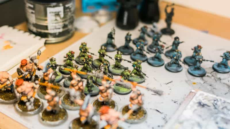 Batch Painting Miniatures (Tips and Tutorial) - how to assembly line paint models for warhammer 40k and board games - multi-batch painting
