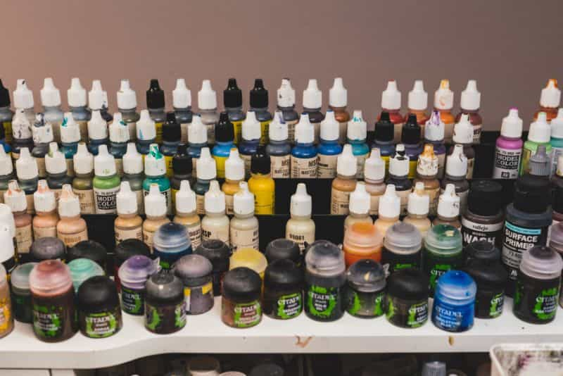 JKB Concepts Paint Organizer and Brush Holder Review - Acrylic hobby organizer and rack for paints and brushes - my desk mess