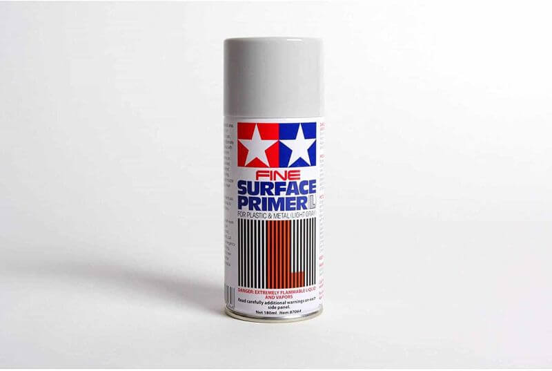 7 Best Spray Primers for Miniatures and Models (Review and Recommendation) - best spray primer for painting miniatures and models - spray priming miniatures - recommended spray primers for scale model hobbies - tamiya primer fine