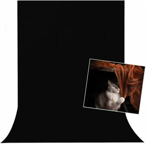 Black or White Backgrounds for Miniature Photos: What's Right For You?  - black or white background for miniatures - miniature photo background - velvet black cloth photography backdrop