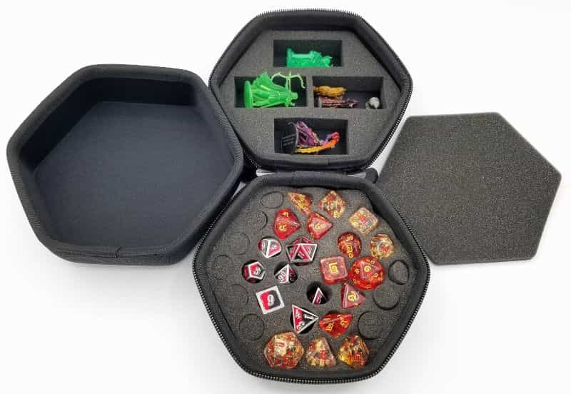 11 Best D&D Miniature Carrying Cases and Storage Options - best carrying cases for rpg miniatures - dnd miniature carry cases - DnD miniature transport case for gamers - dice a mini case for travel