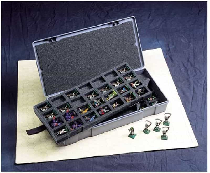 11 Best D&D Miniature Carrying Cases and Storage Options - best carrying cases for rpg miniatures - dnd miniature carry cases - DnD miniature transport case for gamers - chessex case