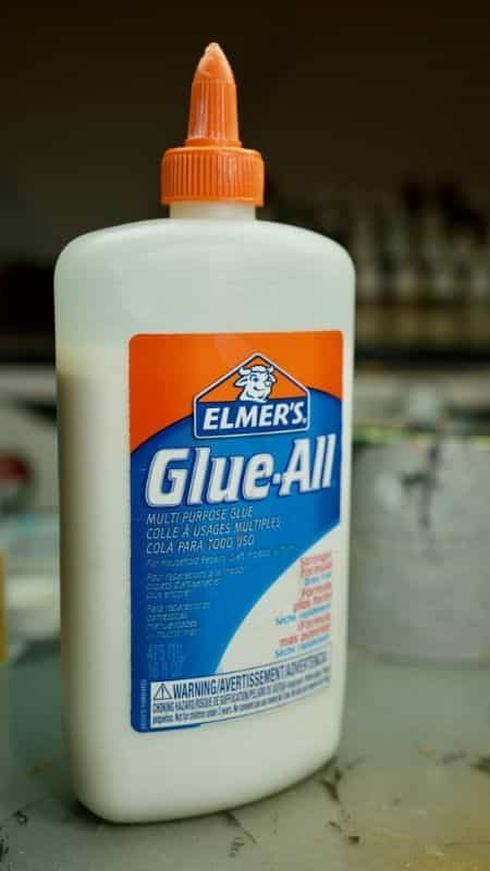 Best 10 Glues for Miniatures and Models - Best glue for assembling minis and wargame models - warhammer 40k, age of sigmar, scale models, dollhouse miniatures, and other hobbies - PVA white glue