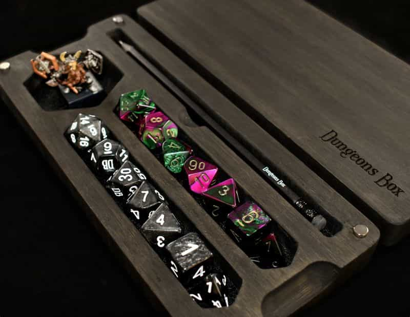 11 Best D&D Miniature Carrying Cases and Storage Options - best carrying cases for rpg miniatures - dnd miniature carry cases - DnD miniature transport case for gamers - box hero vault